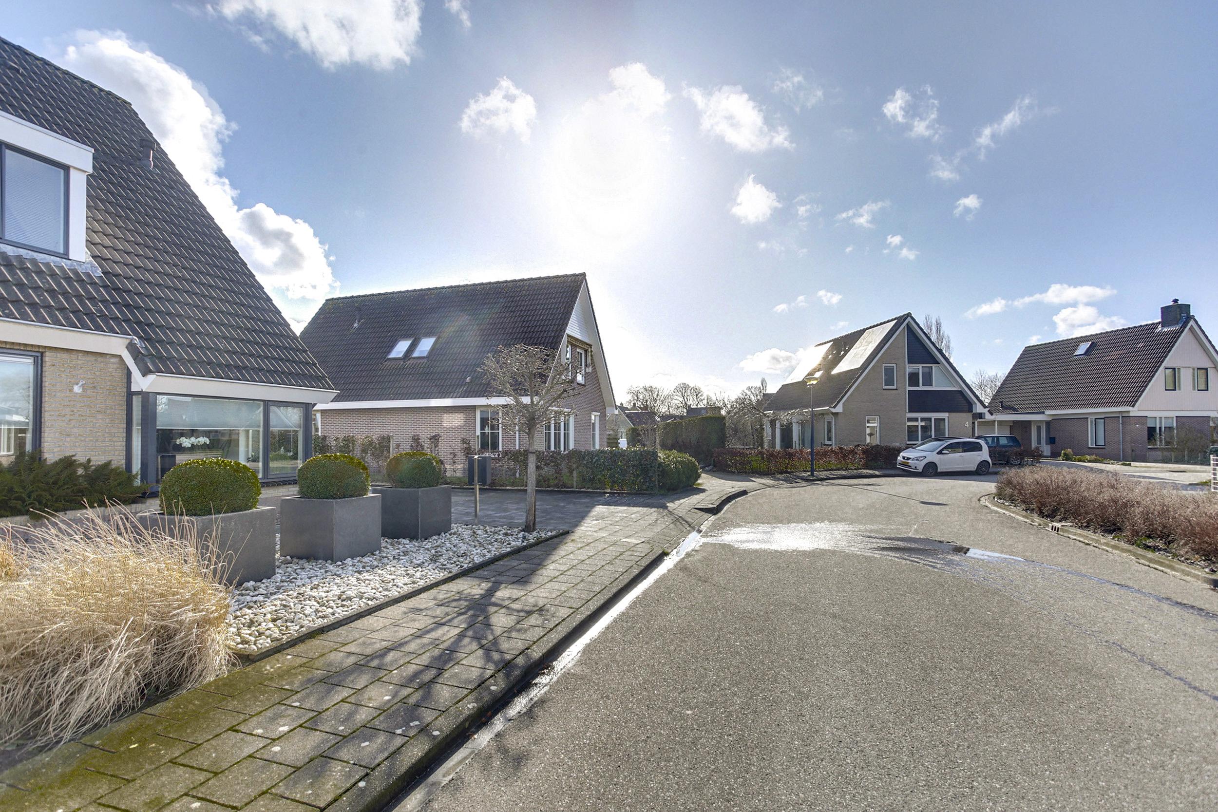 9022cb Mantgum, Nederland, 5 Bedrooms Bedrooms, ,Huis,Koop,De Grêft ,1392